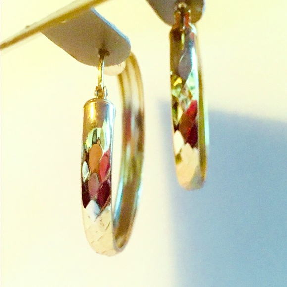 f490d3b7a 24k Gold 925 diamond cut hoops Earrings NWT. Boutique. Giani Bernini.  M_5b7e0b890945e02f43c3fe9d. M_5b7e0b8c5098a06f98cbd051.  M_5b7e0c201070ee433c93a5ac